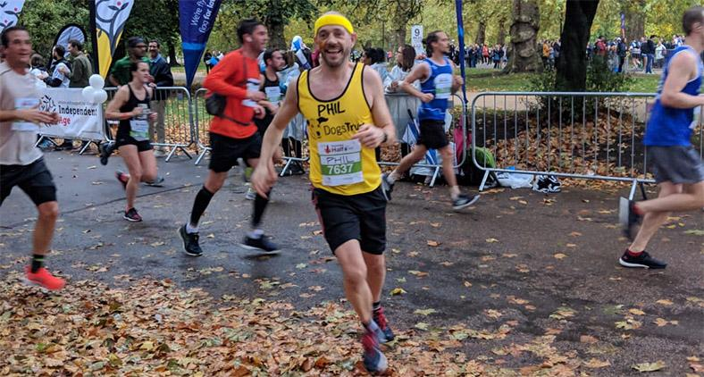 Team Dogs Trust runner at Royal Parks 2018